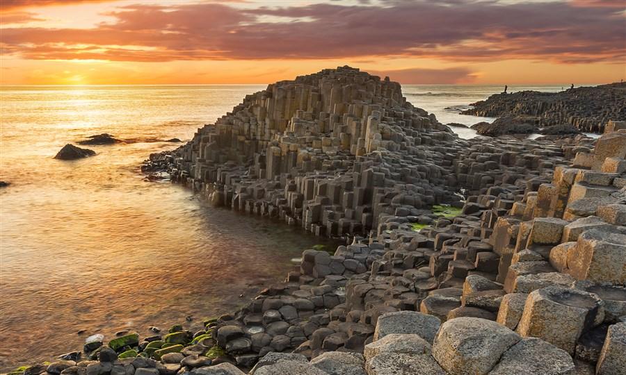 جاینت کازوی giants causeway صخره های لانه زنبوری عجیب در ایرلند شمالی