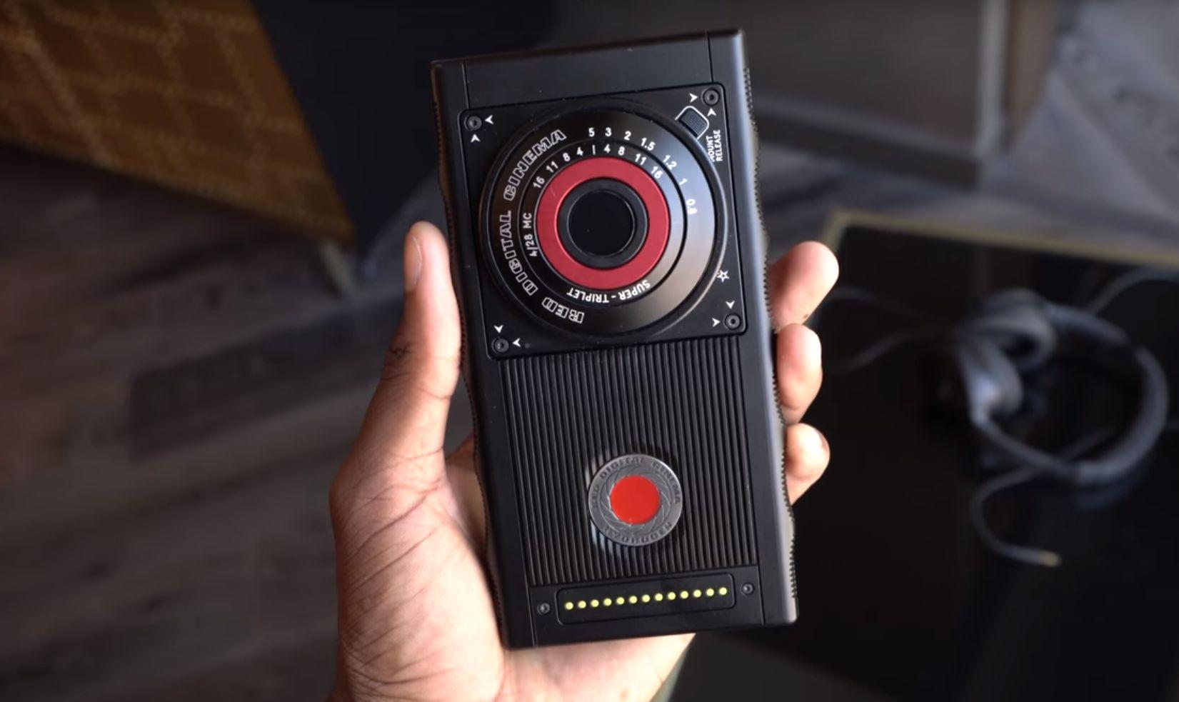 موبایل Hydrogen One یک گوشی عجیب برای سینماگران