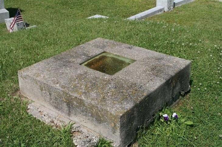 قبر پنجره دار در ایالات متحده